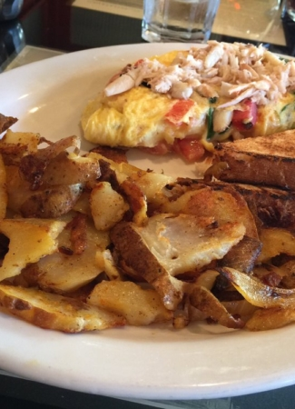 Crab omelette with home fries
